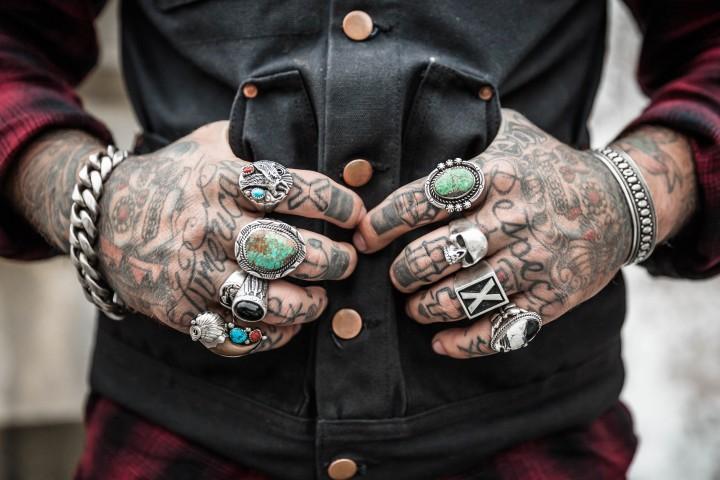 hands-1031131
